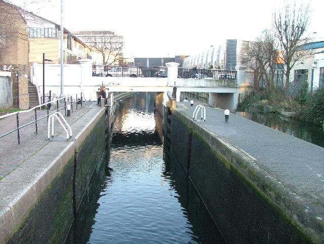 Hawley Lock, Regent's Canal.