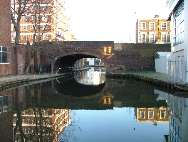 Camden Road bridge over Regent's Canal.