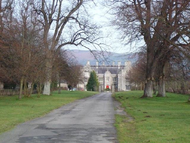 Llanrhaeadr Hall
