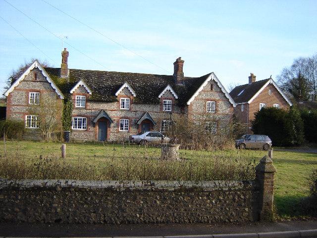 Cottages in Old Alresford