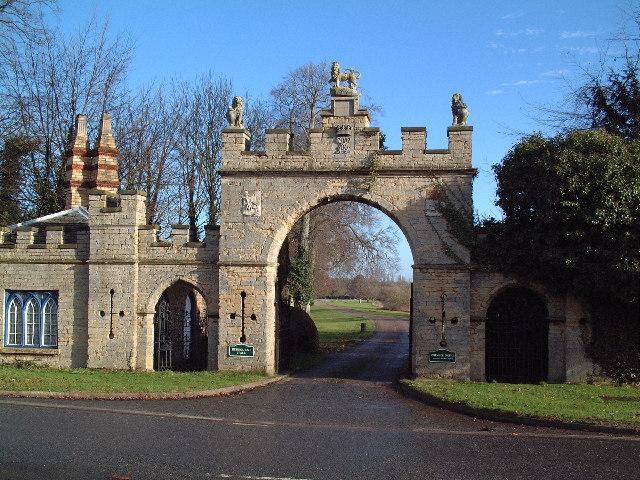 Redbourne Park Gateway