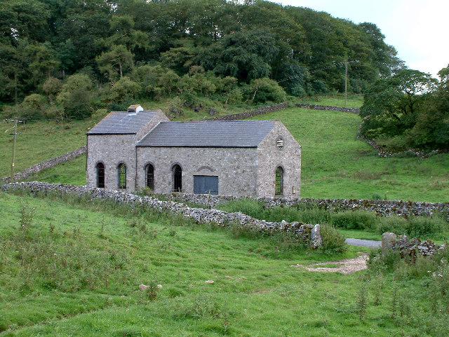 An early-20th century pumphouse for air, used for quarrying limestone