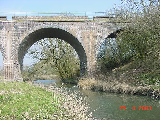 River Thame and railway viaduct looking north-east