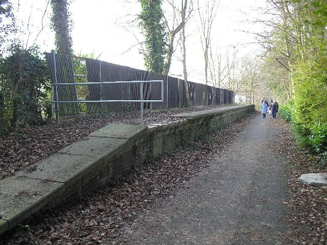 Old 'Hill End' Railway platform, St Albans