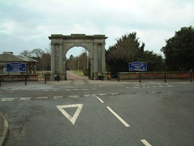 Entrance to Kilgraston School