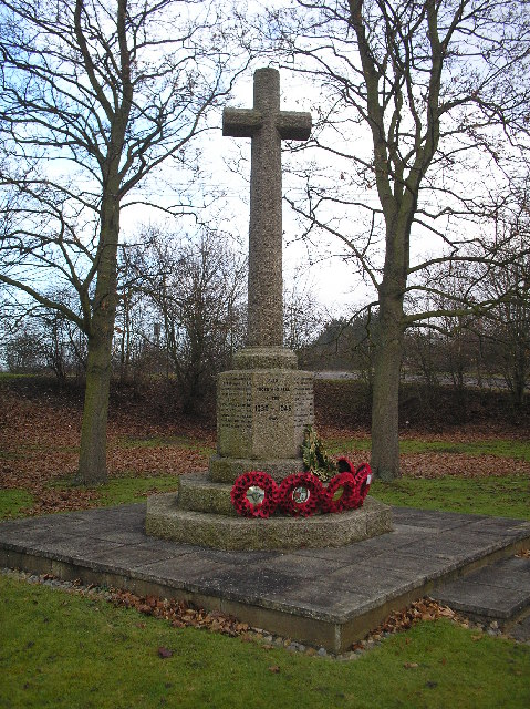 War Memorial, North Mymms