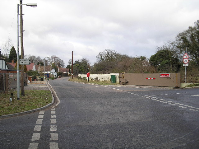 Warrengate Road flood relief barrier. North Mymms.