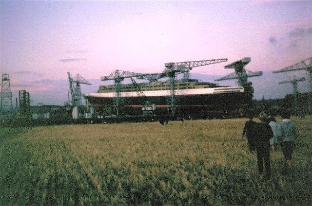 QE2 in John Browns shipyard