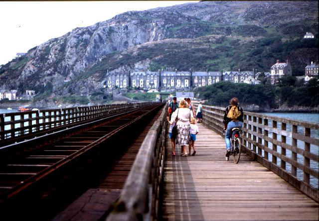 Barmouth railway and footbridge