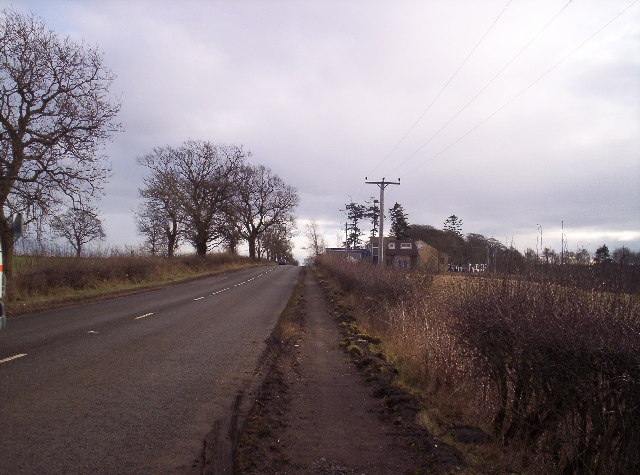 A935 and Disused Petrol Station