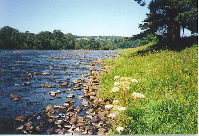 The River Dee at Kincardine O'Neil.