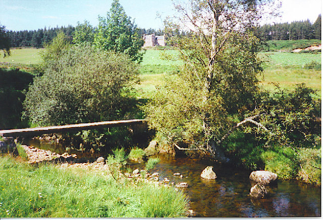 Footbridge over the Feugh.