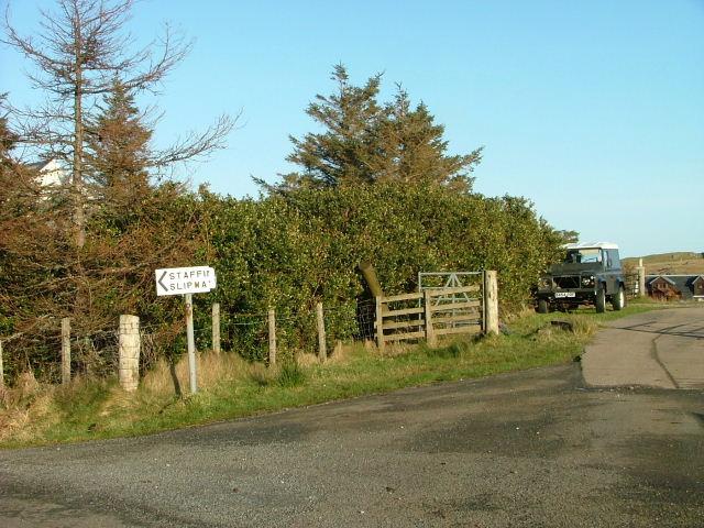 Road sign to Staffin Slipway