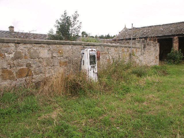 Disused Petrol Pump, Vantage, Fife
