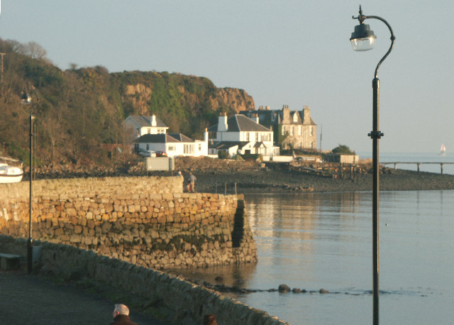 Forth View Hotel and Old Hawkcraig Pier