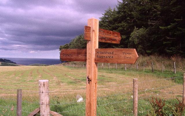 Fingerpost at Eathie