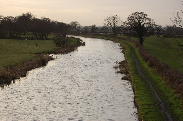 The Lancaster Canal just south of Guys court