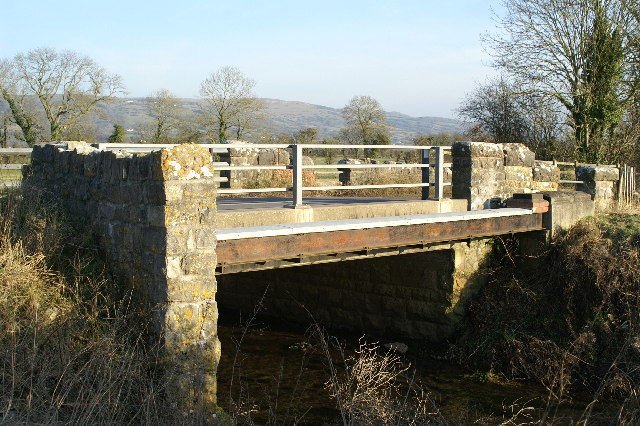 Bridge over Cheddar Yeo at Hythe