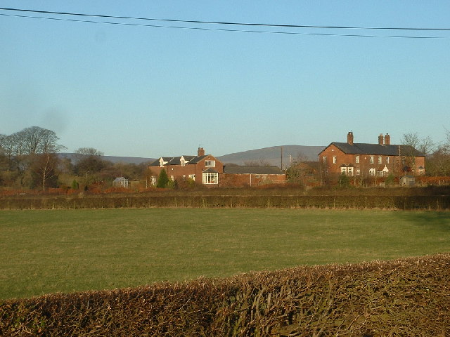Cottages near Bilsborrow Hall