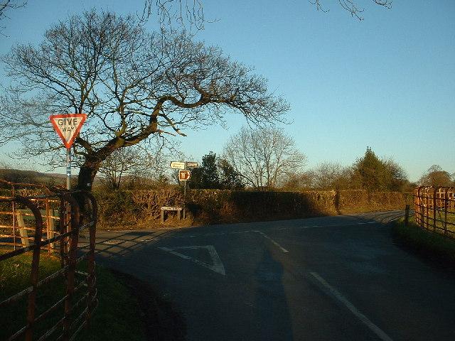 Road Junction near Inglewhite