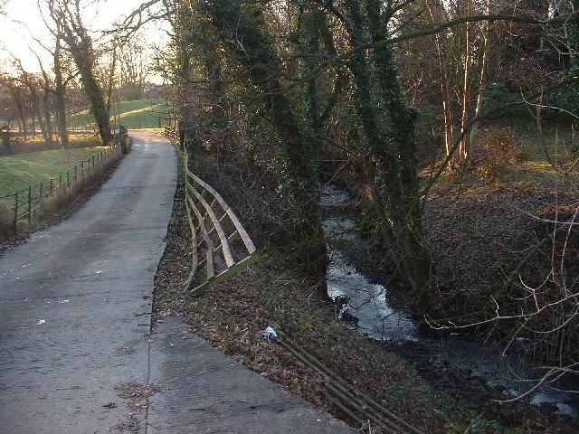 Bullsnape Brook and Whinnyclough Lane