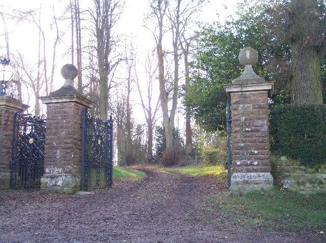 Park Gates to Bredenbury Court