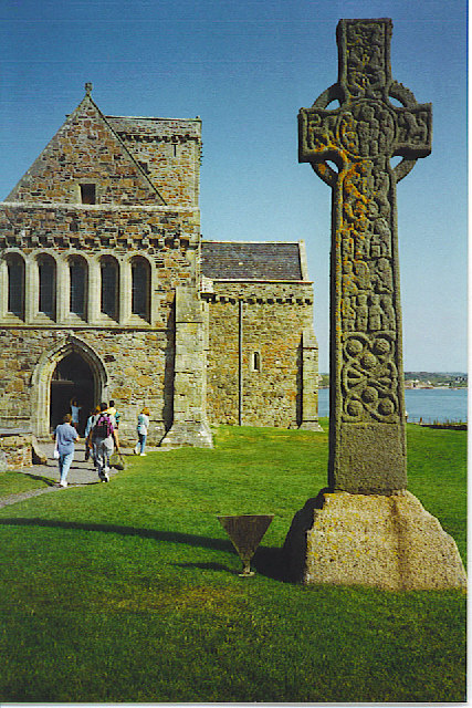 Iona, St Martin's Cross and the Abbey.
