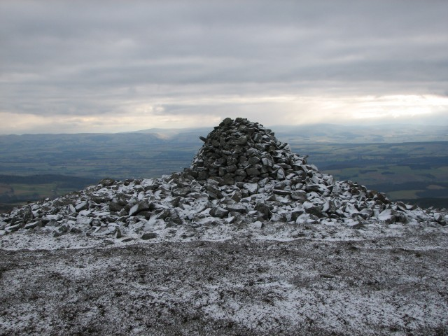King Kenneth's Cairn