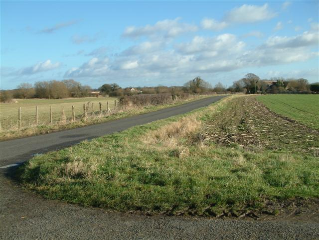 The road to Garford School House