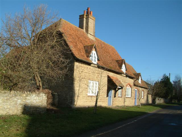 Cottages in Garford