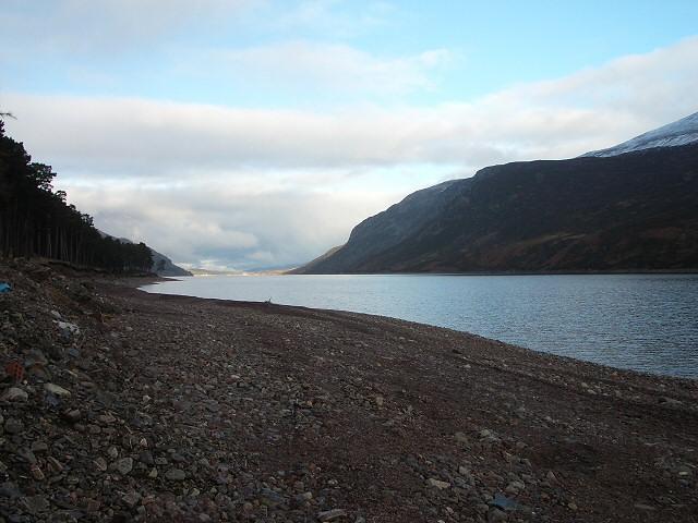 Northwards along Loch Ericht