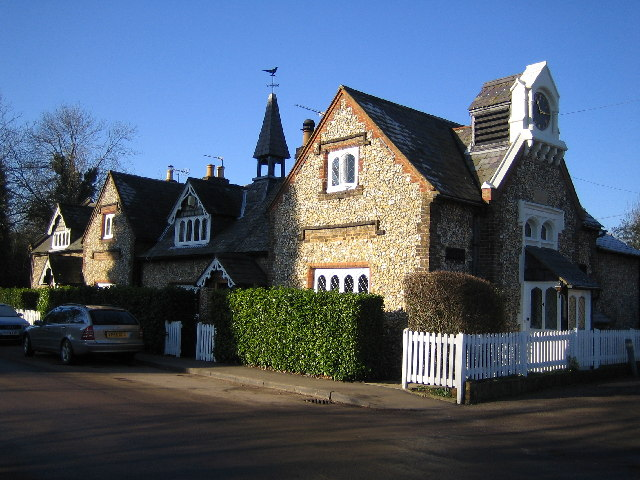Chipperfield: The Old School Cottages