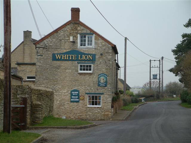 The White Lion, Fewcott