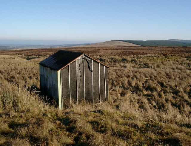 Small hut above the Pomefield burn