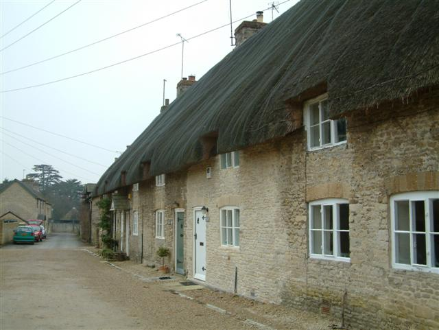 Cottages in Middleton Stoney