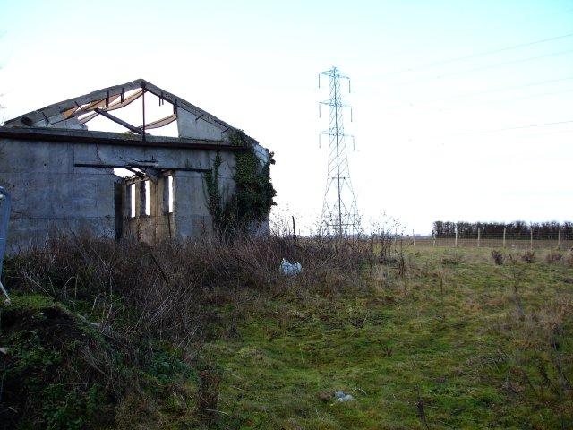 Derelict barn on Wardwell Lane