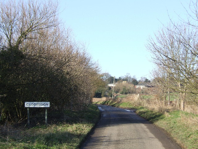 Entering Cuddesdon village