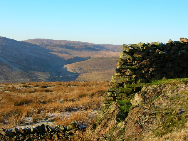 Two-level drystone wall on Red Crag