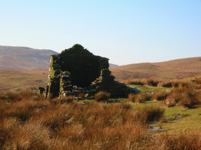Ruined shepherd's (?) cottage on Nan Hill