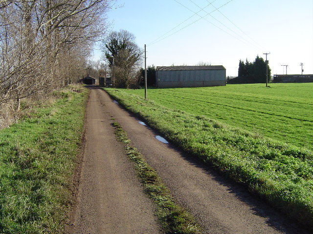 Road leading to Bedford's Barn Farm