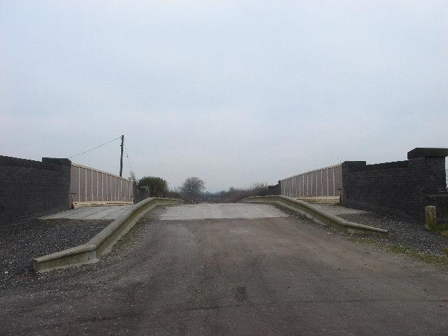 Railway bridge, Jacks Lane, Hart Common
