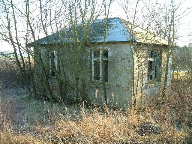 Former Stravithie airfield watch office