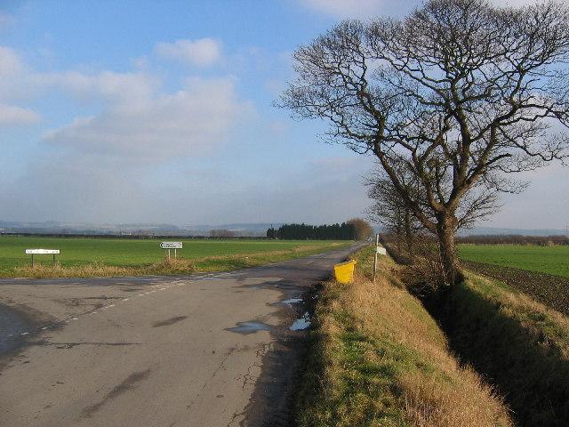 Road Junction at SE880286