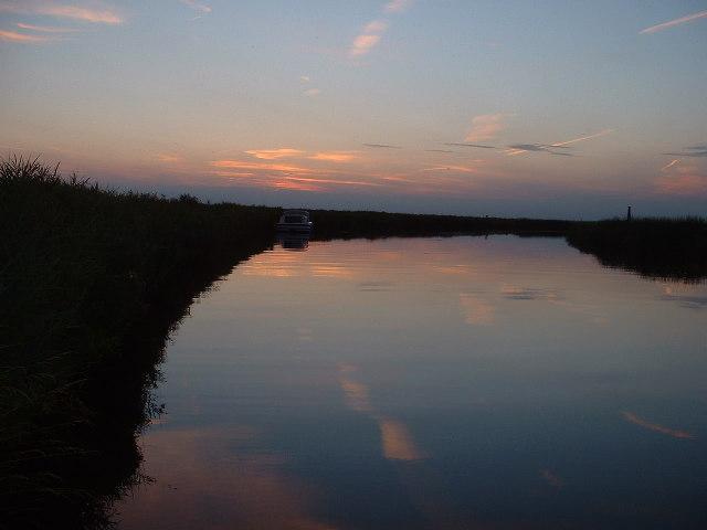 Evening light on the Waveney