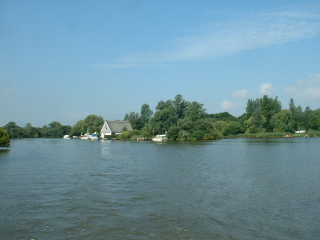 Entrance to Oulton Broad, from Oulton Dyke