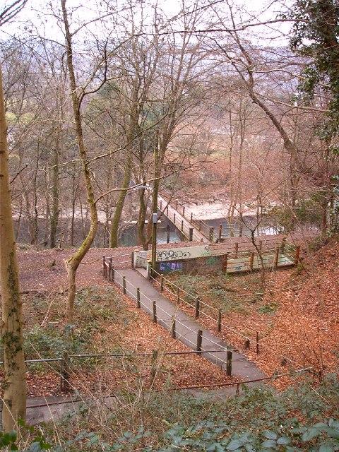 Gwaelod y Garth to Taffs Well footbridge