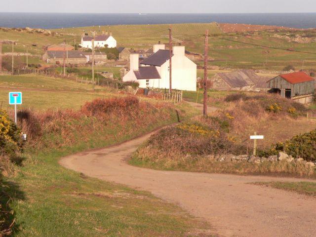 No through Road, Bryn Goelcerth, Mynachdy, Llanfairynghornwy.