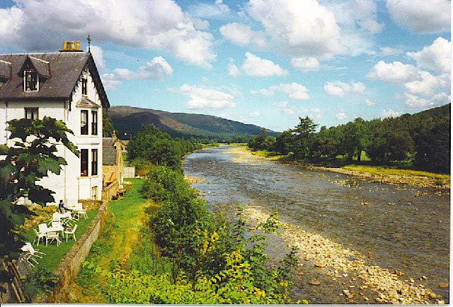 River Dee from Ballater Bridge.