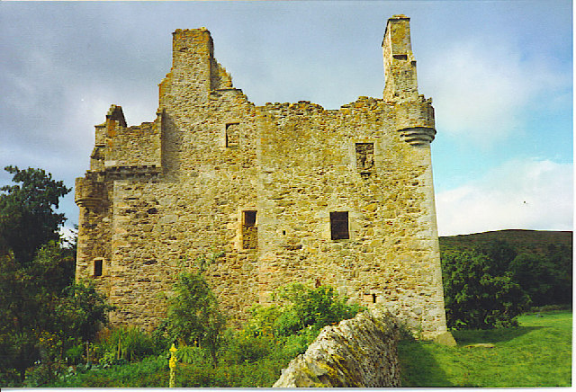 Glenbuchat Castle, Ruined Tower House.