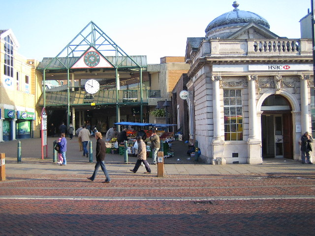 Watford: Charter Place & the HSBC bank
